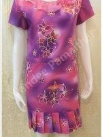 ชุดแซกผ้าไหมบาติก ปกผ้าแก้ว อัดผ้ากาวทั้งตัว เบอร์ XL สีโทนม่วงอมชมพู