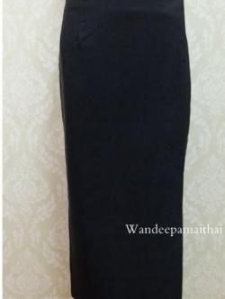 ผ้าถุงสำเร็จผ้าเนื้อนุ่มใส่สบาย สีดำล้วน เอว30นิ้วเลื่อนได้ถึง32นิ้ว