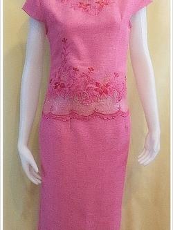 ชุดผ้าไหมญี่ปุ่นสำเร็จรูป ปักลาย คอหัวใจ เบอร์ Lเสื้อ+กระโปรงยาว สีชมพู