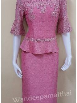 ชุดผ้าไหมญี่ปุ่น แต่งด้วยลูกไม้นอกสอดดิ้นทั้งด้านหน้าและด้านหลังแขนสามส่วน เสื้อ+กระโปรงยาว เบอร์ 44