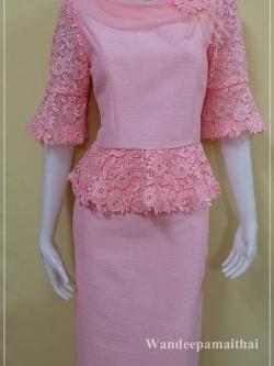 ชุดผ้าไหมญี่ปุ่นแต่งด้วยลูกไม้นอก แขนสามส่วน เสื้อ+กระโปรงยาว สีชมพูหวาน เบอร 36