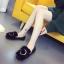 รองเท้าแฟชั่นสตรี ทรงเตี้ยใส่สบายเท้า แต่งขนหนาๆ ฟูนุ่ม ตัดกับวงแหวนสีทอง ดูสะดุดตาเมื่อได้เห็นจริงๆ thumbnail 5