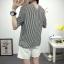 เสื้อเชิ้ตลายตรงสีดำขาว เด่นด้วยคอเสื้อทรง daimond รับกับแขนเสื้อ 4 ส่วน thumbnail 14