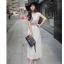 เดรสแฟชั่นเกาหลี ทรงเก๋ จับจีบเพิ่มมิติเวลาพริ้วไหว กับสีสุภาพหรูหรา thumbnail 18