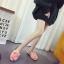 รองเท้าแฟชั่นสตรี ทรงเตี้ยใส่สบายเท้า แต่งขนหนาๆ ฟูนุ่ม ตัดกับวงแหวนสีทอง ดูสะดุดตาเมื่อได้เห็นจริงๆ thumbnail 12