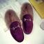 รองเท้าแฟชั่น ขนนุ่ม เก๋ๆ แบบที่เซเลปคนดังเค้าใส่กัน thumbnail 18