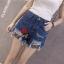 กางเกงยีนส์ขาสั้น แฟชั่นลำลองสวยๆ ที่สาวๆ ใส่กับเสื้อตัวไหนก็สวย thumbnail 2