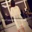 เสื้อคลุมสีขาว ผ้าชีฟองเนื้อนิ่มใส่สบายๆ แต่งชายด้วยริ้วประดับลายดอกไม้น่ารักๆ thumbnail 2