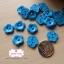 กระดุมลายดอกไม้สีฟ้า ขนาด 1.3 ซม. จำนวน 12 เม็ด(1โหล) thumbnail 1