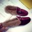 รองเท้าแฟชั่น ขนนุ่ม เก๋ๆ แบบที่เซเลปคนดังเค้าใส่กัน thumbnail 26
