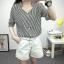 เสื้อเชิ้ตลายตรงสีดำขาว เด่นด้วยคอเสื้อทรง daimond รับกับแขนเสื้อ 4 ส่วน thumbnail 7