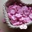 กระดุมลายดอกไม้สีชมพูอ่อน ขนาด 1.5 ซม. จำนวน 12 เม็ด(1โหล) thumbnail 1