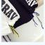 เสื้อกันหนาวแฟชั่น สีทูโทน ตัดกับลายสกรีนแบบเด่น สะดุดตา thumbnail 13