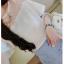 เสื้อแฟชั่นสุภาพสตรี ผ้าบางเบาในแบบวีฟอง ตกแต่งด้วยลูกไม้ เพิ่มลูกเล่นให้น่ามองจริงๆ thumbnail 2