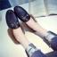 รองเท้าแฟชั่น ขนนุ่ม เก๋ๆ แบบที่เซเลปคนดังเค้าใส่กัน thumbnail 11