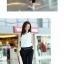 ชุดจั๊มสูทเท่ห์ๆ หรูหรามีระดับ ด้วยตัวเสื้อที่เป็นแขนกุด เข้ากับกางเกงเข้ารูป มันช่างเหมาะกันจริงๆ thumbnail 3