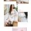 เดรสสั้นเกาหลีทรงคอวีจาก Mayuki ลายดอกไม้ เหมาะสำหรับสาวอยากหวาน thumbnail 9
