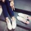 รองเท้าผ้าใบแฟชั่น ทรงสวย พร้อมลิ้นรองเท้ารูปหูสัตว์ ดูน่ารักตามกระแสไม่เบา thumbnail 1