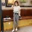 เซ็ทลำลองสบายๆ กางเกงขายาวใส่เข้ากับเสื้อยืดสกรีนลายนิดๆ ดูสวยพอดีๆ thumbnail 9