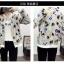 เสื้อกันหนาวแฟชั่น คอกลม ขนาดกำลังดี สกรีนลายสวยๆ น่าใส่มากค่ะ thumbnail 4