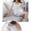 เสื้อแฟชั่นสีขาวสวยๆ เย็บด้วยลูกไม้เนื้อดี ลายสวย แต่งเพิ่มด้วยมุกเม็ดเล็กๆ ช่างดูล้ำค่าจริงๆ thumbnail 9