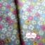 ผ้าคอตตอนไทย 100% 1/4 ม.(50x55ซม.) ลายดอกไม้ พื้นสีเทา thumbnail 2