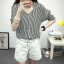 เสื้อเชิ้ตลายตรงสีดำขาว เด่นด้วยคอเสื้อทรง daimond รับกับแขนเสื้อ 4 ส่วน thumbnail 6