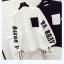 เสื้อกันหนาวแฟชั่น สีทูโทน ตัดกับลายสกรีนแบบเด่น สะดุดตา thumbnail 5