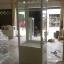 ตู้โชว์กระจกวินเทจสีขาวสำหรับร้านค้า thumbnail 2