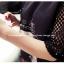 เดรสแฟชั่น สีดำเข้มๆ สไตล์ขาร็อค แขนเสื้อตาข่าย ประดับเพชรเม็ดเล็กๆ เพิ่มความโดดเด่นเวลาถูกแสง thumbnail 14