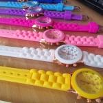 นาฬิกาข้อมือ Geneva น่ารัก หน้าปัดสีทอง เวอร์ชั่นเล็ก (size เล็ก)