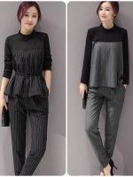 ชุดเซ็ทเสื้อ+กางเกงขายาว งานสไตล์เกาหลี ดีไซส์ดูเก๋ เนื้อผ้าดีสวมใส่สะบาย งานนำเข้าแท้คุณภาพดี