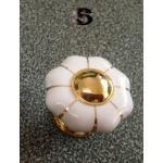 มือจับ ปุ่มแขวน เซรามิค/ทองเหลือง ลายดอกไม้สีขาว - sz S 3.5 ซม.