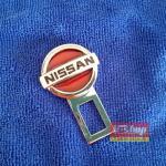 Nissan แดง