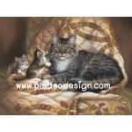 กระดาษสาพิมพ์ลาย สำหรับทำงาน เดคูพาจ Decoupage แนวภาพ แม่แมวขนฟูสีเทากะลูก 2 ตัว บนที่นอนสวยหรู A5