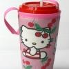 แก้วเก็บความเย็น สะดวกสบายด้วยหูหิ้ว ลาย Hello Kitty เชอร์รี่ บนพื้นชมพู เก็บความเย็นได้กว่า 5 ชั่วโมง