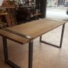 โต๊ะไม้ขาเหล็ก