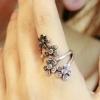 """""""แหวนดอกไม้เลื้อย"""" สวยงามเหมือนดอกไม้ พันอยู่ที่นิ้วเลย แหวน,เครื่องประดับ"""