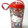 แก้วเก็บความเย็น สะดวกสบายด้วยหูหิ้ว ลาย Helloo Kitty Billboard บนพื้นแดง เก็บความเย็นได้กว่า 5 ชั่วโมง