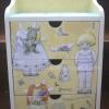 ตู้เครื่องแป้ง ลิ้นชัก 3 ชั้น ทำลายนูน3D Paperdoll แต่งตัวตุ๊กตา ศิลปินสาวแว่น โทนสีเหลือง