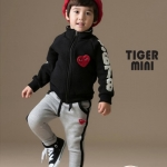ชุดเสื้อแขนยาวสีดำ+กางเกงขายาวสีเทา Play ไซส์ 100-110-120-130-140