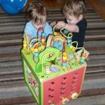 กล่องกิจกรรม 5 ด้าน busy zoo ของ parents (busy zoo activity box)