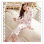 SP037 ชุดนอน เสื้อแยนยาว คู่กางเกงขายาว สีขาวลายหมีสีชมพู