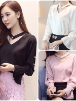 เสื้อสไตล์เกาหลี แต่งดีเทลที่แขนและคอเก๋ๆ เนื้อผ้าดีสวมใส่สะบาย งานนำเข้าแท้คุณภาพดี