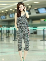Jumpsuit Style Korea.Sleeveless.Four parts trousers.