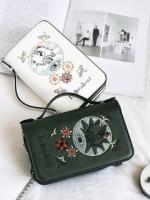 กระเป๋าถือ/สะพาย กระเป๋าใส่ไอโฟน iPhone ใบเล็ก มี 3 สีคือ ขาว เขียวและดำค่ะ