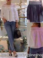 เสื้อเปิดไหล่ ช่วงไหล่ยืดหยุ่นได้ดี เนื้อผ้าฝ้ายสวมใส่สะบาย สาวไซส์เล็กใหญ่ก็ใส่ออกมาดูเก๋มากคะ มี 2 สี ขาว/ดำ