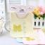 ฺฺฺฺBN010 ผ้ากันเปื้อน ผ้ากันน้ำลาย ทรงสี่เหลี่ยม มีกระดุมประดับด้านหน้า เรียง 3 เม็ด และพิมพ์ลายโบว์ สวยน่ารัก มี 3 สี ชมพู ฟ้า เหลือง ขนาด 19*18 cm. thumbnail 5
