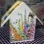 กล่องทิชชูไม้ทรงบ้านนก สำหรับทิชชูม้วน ลายครอบครัวกระต่าย พ่อ แม่ thumbnail 4