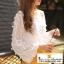 เสื้อชีฟองแขนยาวสีขาว ปักลายเส้นดอกไม้สไตล์ 3D สวมใส่สบาย thumbnail 1